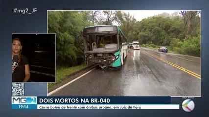 Acidente entre carro e ônibus urbano deixa mortos e feridos na BR-040 em Juiz de Fora