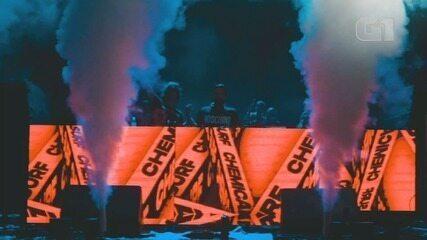 Henrique & Juliano e Chemical Surf se apresentaram no Estação Verão Show em Praia Grande