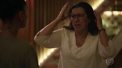 Vitória diz pra Lurdes que Sandro não é filho dela