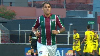 Gol do Fluminense! Luan Freitas acerta lindo chute e abre o placar aos 12 do 1º tempo