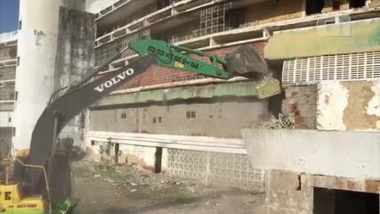Vídeo mostra início da demolição do Hotel Reis Magos em Natal
