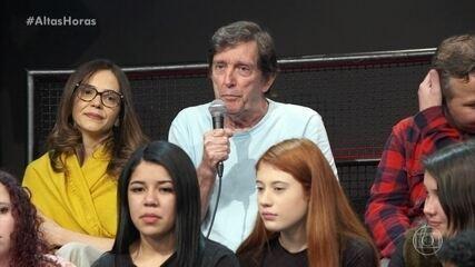 Pai de Vladimir Brichta participa da plateia e elogia o filho