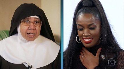 IZA recebe mensagem de freira que foi sua babá e de tia-avó