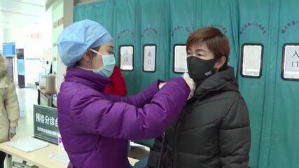 China atualiza para 56 o número de mortos por coronavírus