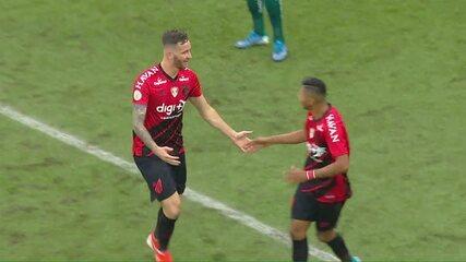 Confira lances (bons ou não) de Léo Pereira, reforço do Flamengo, pelo Athletico