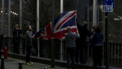 Conselho e Parlamento Europeus removem bandeira do Reino Unido horas antes do Brexit