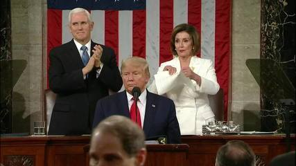 Presidente da Câmara dos EUA rasga discurso de Trump