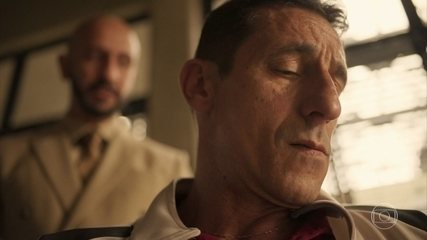 Álvaro ordena que Belizário descubra tudo sobre Betina