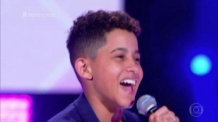 Felipinho canta 'Coração do Maloqueiro' nas Audições às Cegas