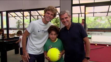 No Rio Open, Zé Roberto leva neto para conhecer o ídolo Guga
