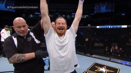 Melhores momentos de Aalon Cruz x Spike Carlyle no UFC Norfolk