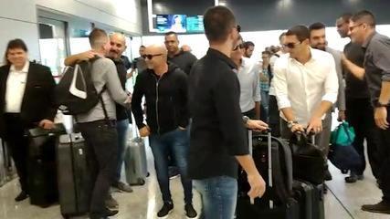 A chegada do staff de Sampaoli, na manhã desta sexta, no Aeroporto de Confins