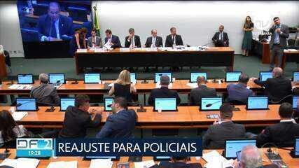 Comissão Mista de Orçamento aprova reajuste para policiais e bombeiros do DF