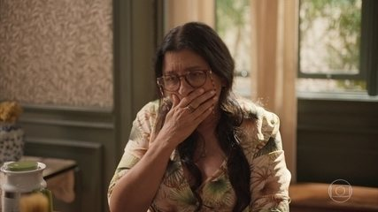 Jane prevê o futuro de Lurdes e afirma que ela já encontrou Domênico