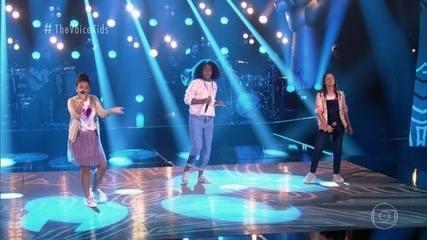 "Ana Carolina Julio, Julia Gomes e Karen Silva cantam ""Menina Solta"""