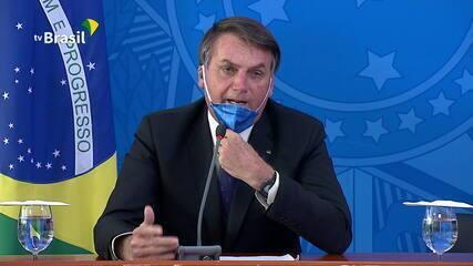 'Depois da facada, não vai ser uma gripezinha que vai me derrubar', diz Bolsonaro
