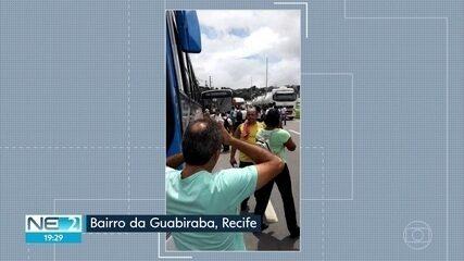 Mais de 100 motoristas e cobradores são demitidos de empresas de ônibus no Grande Recife