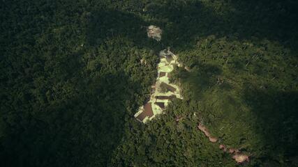 Equipe de Aruanas alerta para os perigos da extração ilegal de minério nas reservas