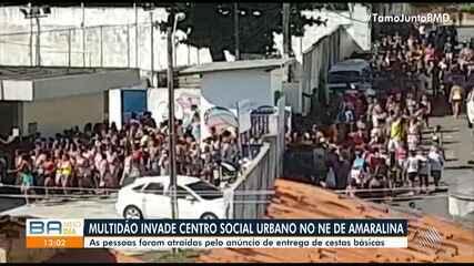Multidão invade CSU do Nordeste de Amaralina durante distribuição de cestas básicas
