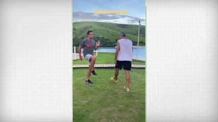 Perto de um acerto com o Fluminense, Fred mostra treino nas férias