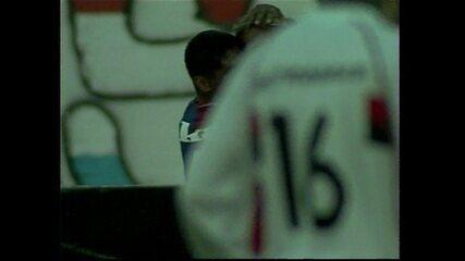 Em 2003, Paraná goleia o Flamengo por 6 a 2 pelo Campeonato Brasileiro
