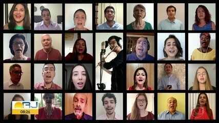 Famílias celebram a Páscoa ligados pela internet