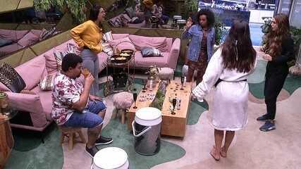 Sisters fazem proposta para Babu: 'Você aceita a gente te montar?'