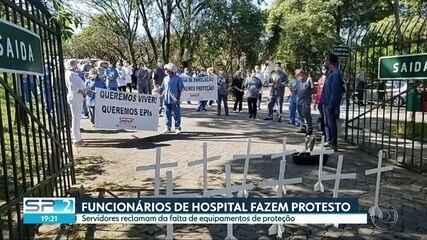 Funcionários de hospital municipal fazem protesto em Pirituba na zona oeste da capital