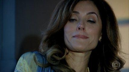 Tereza Cristina empurra mafioso pela escada