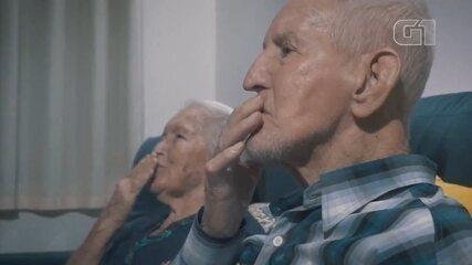 Casal comemora bodas de 70 anos com festa virtual em Maracaí