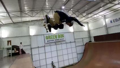 Gui Khury é o primeiro skatista a acertar um 1080 graus no vertical