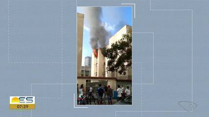 Defesa Civil libera dois andares de prédio que pegou fogo em Itapoã, Vila Velha, ES