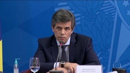 Em meio à pandemia, Brasil tem a 2ª saída de um ministro da Saúde em menos de um mês