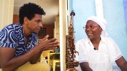 Aldri conhece baiana de acarajé que pratica saxofone nos intervalos das vendas