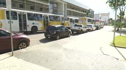 Protesto dos motoristas de ônibus segue para Prefeitura de Rio Branco