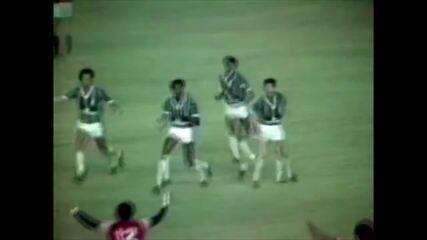 Gol do Fluminense: Assis marca contra o Flamengo em 1984