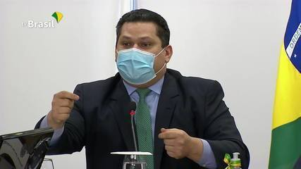 """""""Pior crise sanitária da história do Brasil"""", diz Alcolumbre em reunião com Bolsonaro"""
