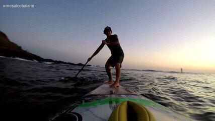 Pentacampeã de stand up paddle, Babi Brazil mostra as belezas das praias soteropolitanas