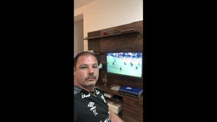 """Cocito vibra com reprise do título brasileiro do Athletico em 2001: """"Comemora, vibra""""!"""