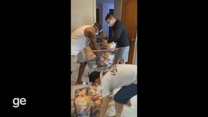 Lutador do UFC, Felipe Cabocão faz doação de cestas básicas à famílias carentes no RJ e AP