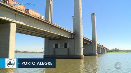 Passagem de embarcações sob a ponte do Guaíba, em Porto Alegre, está suspensa por 10 dias