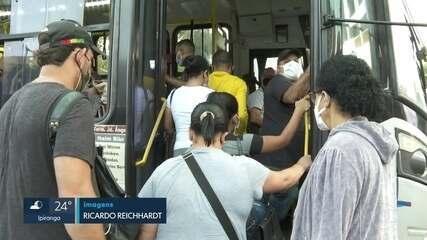Ônibus circulam lotados na capital ignorando recomendação da prefeitura