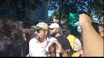 Ministro da educação encontra apoiadores do governo e provoca aglomeração; Sadi comenta