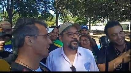 Governo do DF multa Weintraub por participar sem máscara de ato antidemocrático