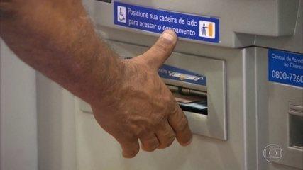 Auxílio emergencial: governo começa a pagar 3ª parcela a trabalhadores do Bolsa Família