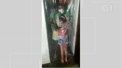 Após três meses, enfermeira se emociona ao abraçar a filha com proteção instalada na porta