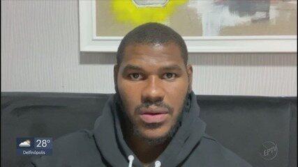 Com Bulls fora da NBA, Felício aproveita folga pra treinar e ficar com a família