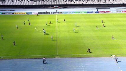 Jogadores do Botafogo ajoelham em campo em protesto contra o racismo, aos 2' do 1º Tempo