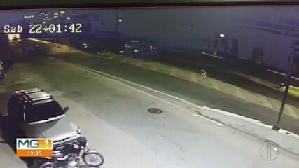 Homem morre após motorista fazer manobra proibida e bater contra quatro motos