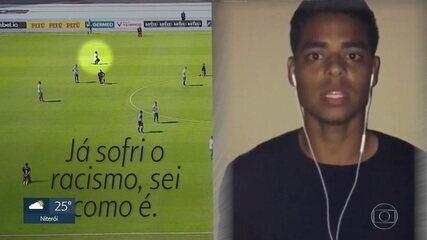 """Jogador da Cabofriense que se ajoelhou no protesto do Botafogo fala sobre preconceito sofrido na infância: """"Sei como é"""""""
